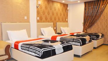 370 triple bed